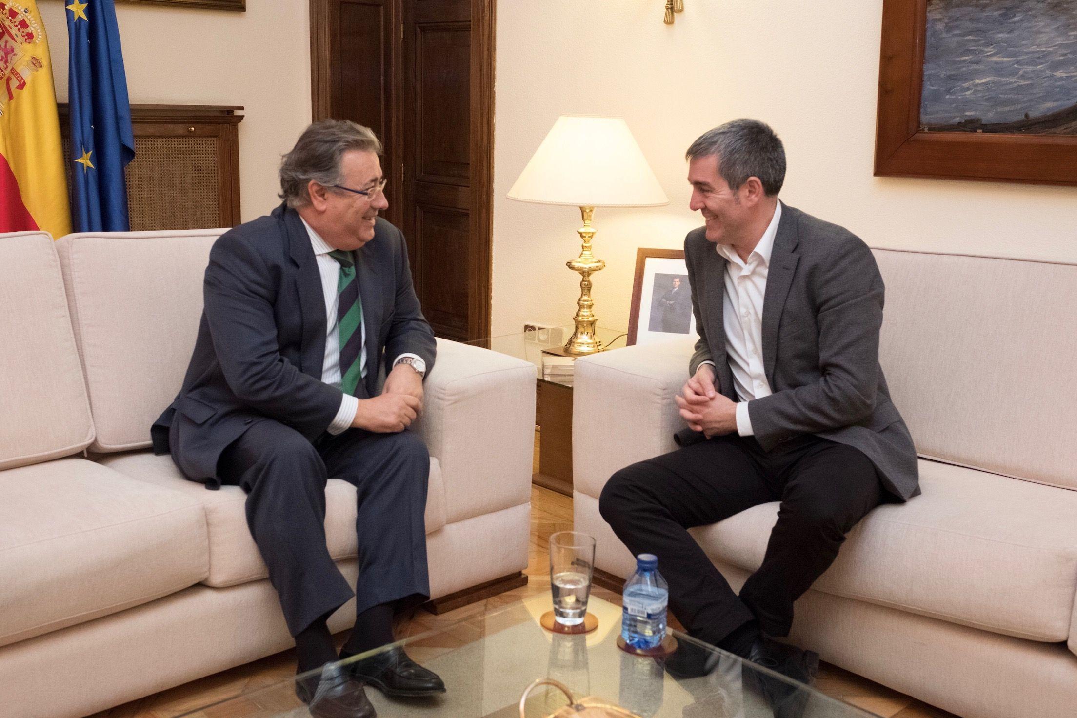 Fernando clavijo y el ministro del interior analizan la for Ministro del interior actual