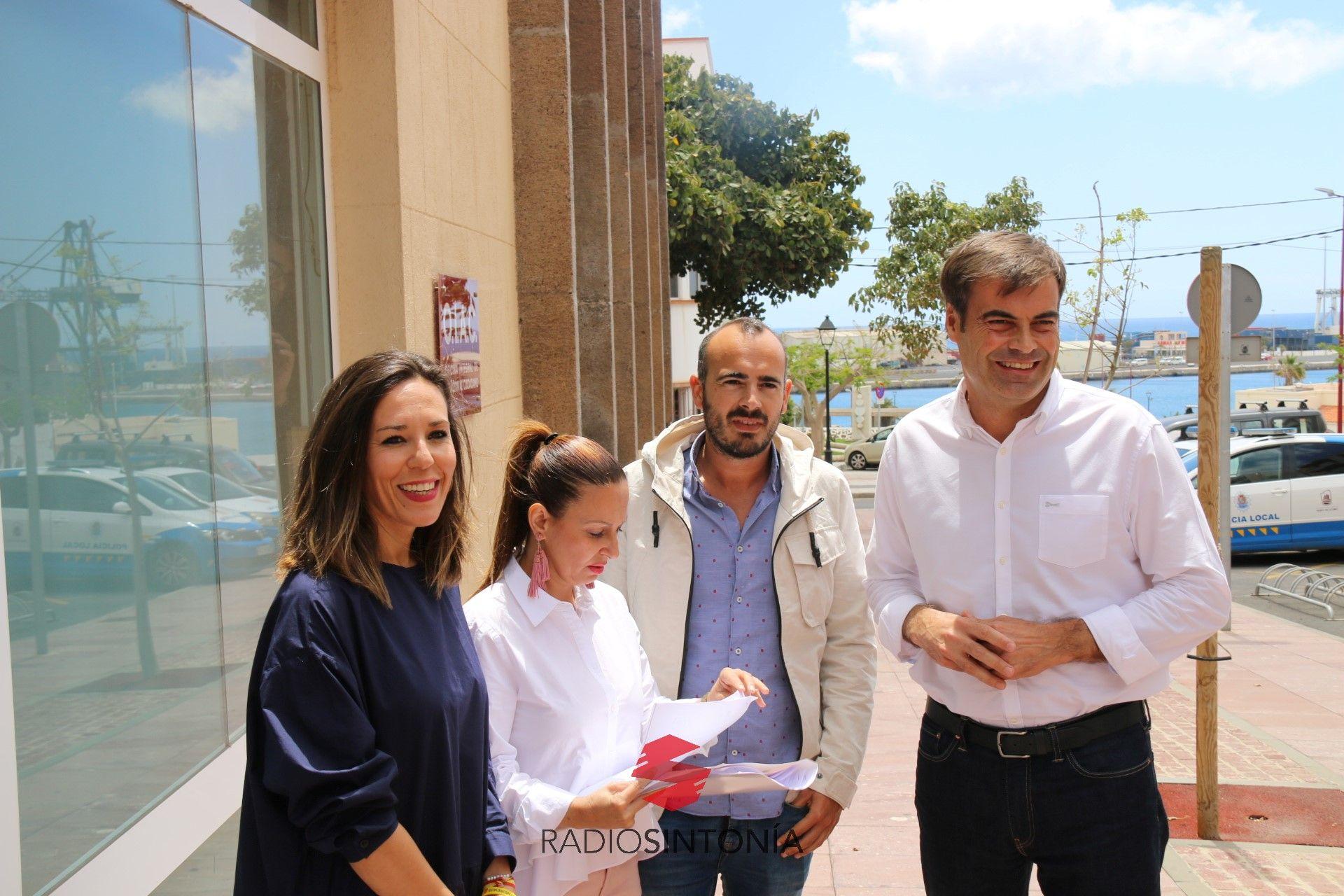 El partido popular demanda suelo para que la casa cuartel de la guardia civil permanezca en - Farmacia guardia puerto del rosario ...