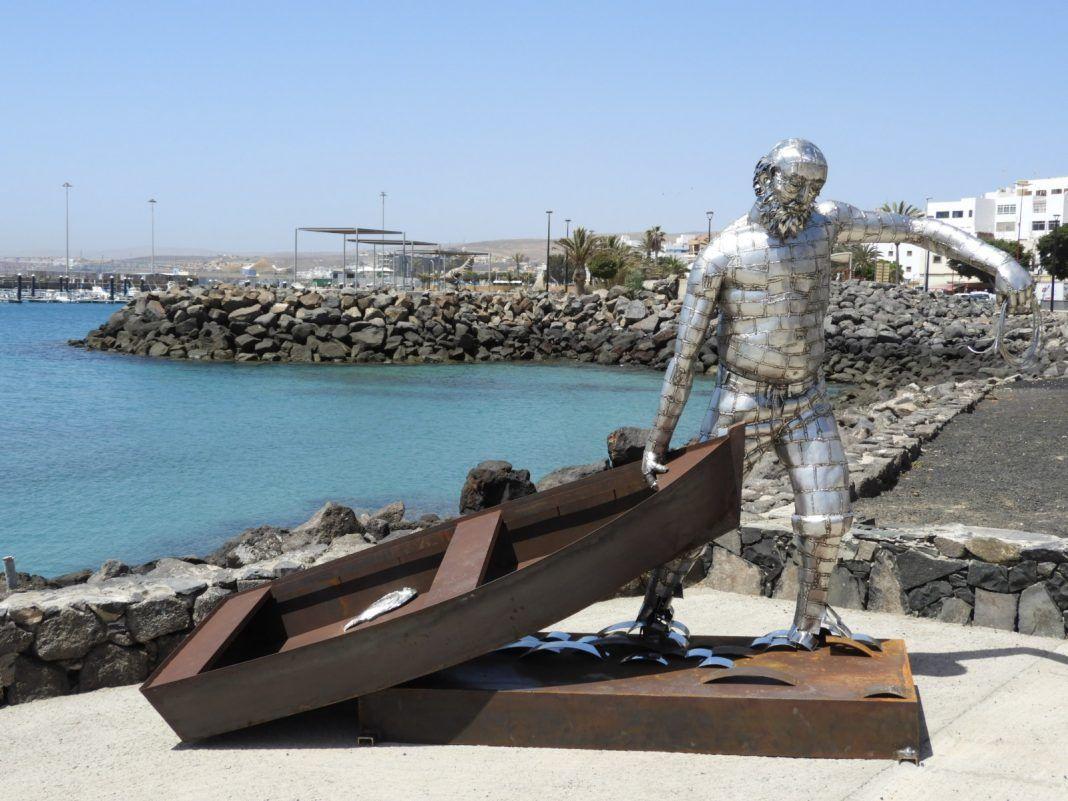 La escultura 'La Chalana', una obra de Juan Miguel Cubas