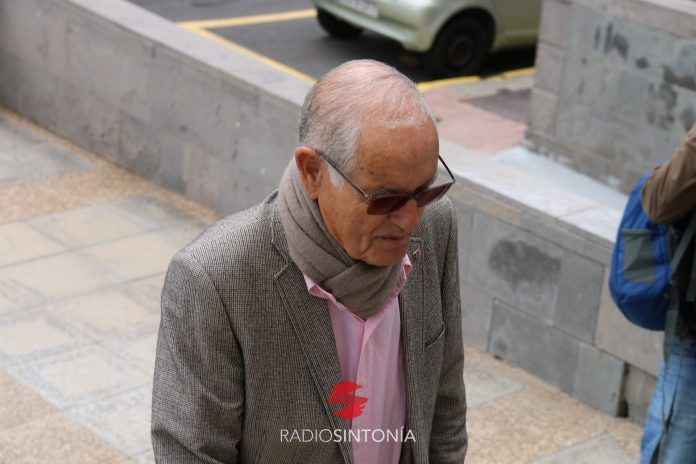 Domingo González Arroyo queda fuera de la lista al Cabildo