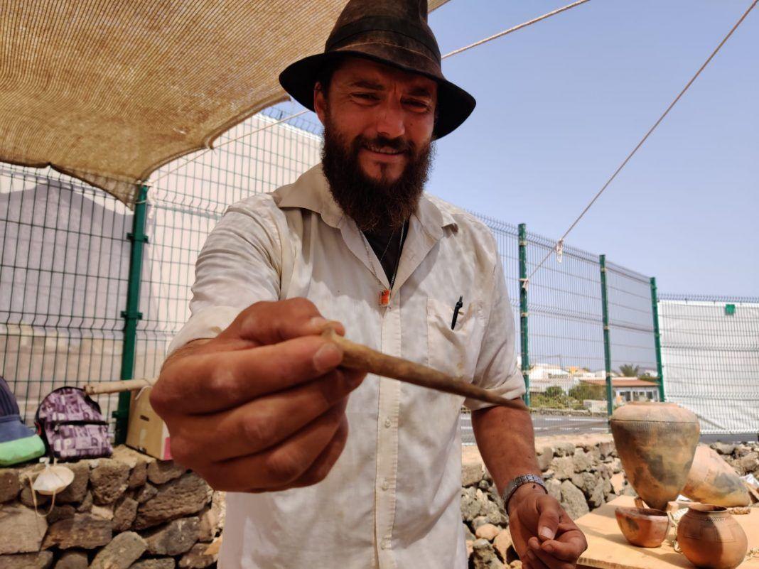 Derque Castellano, arqueólogo y miembrod el equipo de Arenisca en el yacimiento Cueva de Villaverde