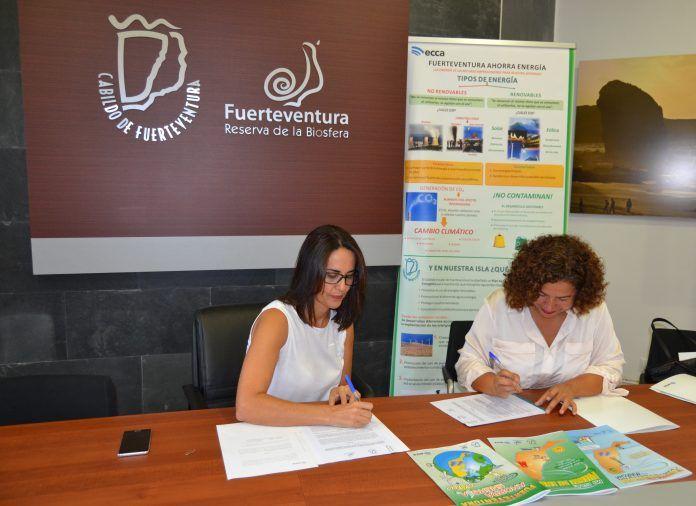 El Cabildo firma un convenio de colaboración con Radio ECCA